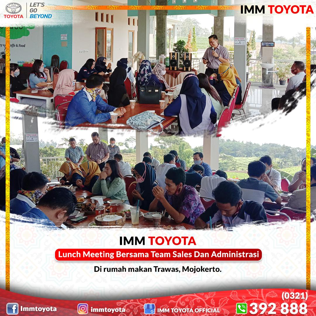 Lunch Meeting Bersama Team Sales Dan Administrasi